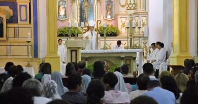 Dom Vasconcelos comemora 6º ano de Sagração Episcopal, em missa com fiéis