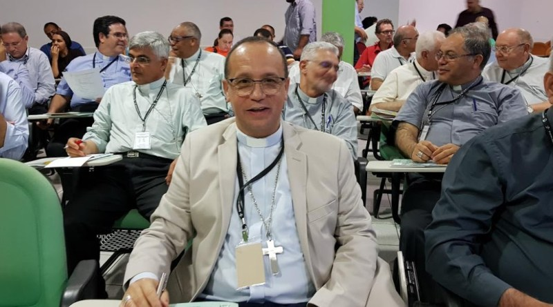 Dom Vasconcelos participa de encontro dos bispos do Nordeste