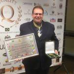 Educador surubinense recebe título de Comendador da Educação do Brasil
