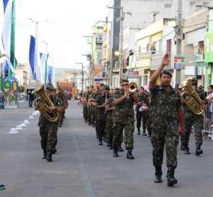 Desfile cívico comemora 90 anos da Emancipação Política de Surubim