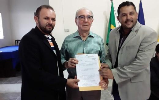 Antônio Barros é homenageado pela Câmara de Vertente do Lério; Fernando Guerra receberá título de cidadão