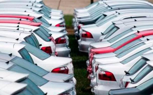 GM, Ford e VW pisam no freio e reduzem produção com folgas e férias coletivas