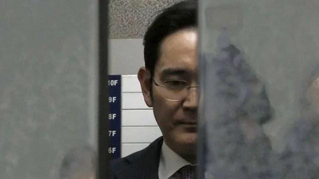 Coreia do Sul rejeita pedido de prisão para chefe da Samsung