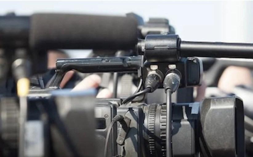 Jornalismo na TV tem falhas no conteúdo e desenhos de programas