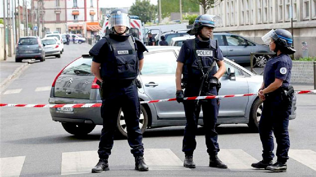 Colégio eleitoral é evacuado sob ameaça de bomba, na França