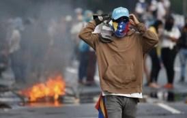 Protestos deixam mortos e feridos na Venezuela