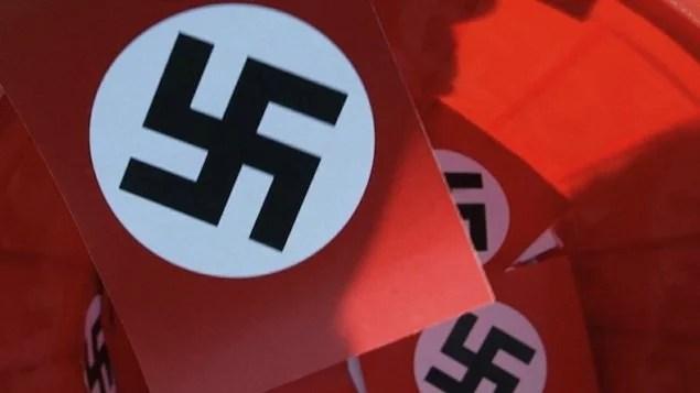 EUA: grupo de direitos digitais critica empresas por barrarem neonazistas
