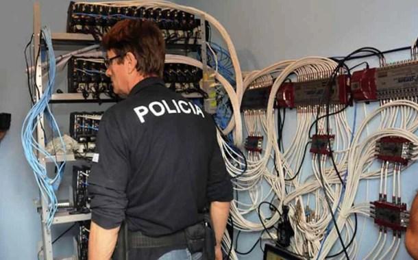 Polícia Civil faz ação contra esquema de TV a cabo clandestina