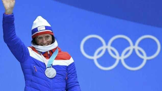 Norueguesa se torna esportista mais premiada na história das Olímpiadas de Inverno
