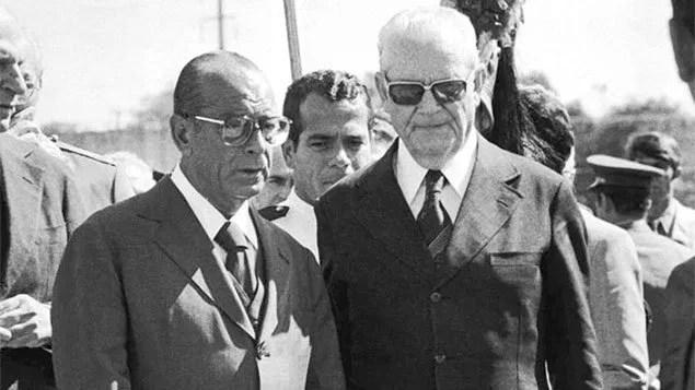 Figueiredo e Geisel voltam à cena política, trazidos por fragmentos históricos liberados pela CIA, sobre a ditadura militar