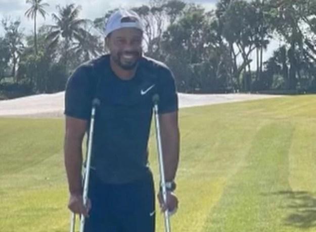 Tiger Woods sofreu acidente grave de carro