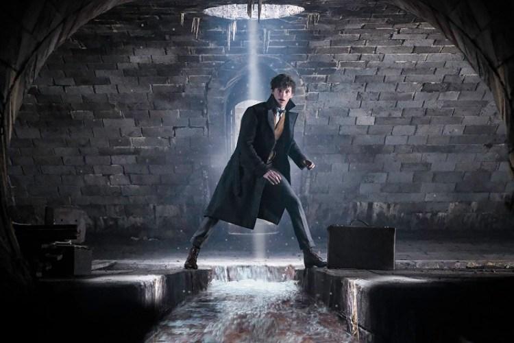 FANTASTIC BEASTS: THE CRIMES OF GRINDELWALD | Back To Hogwarts Featurette