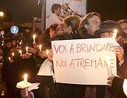 La protesta dei piloti fuori da Palazzo Madama (Emblema)