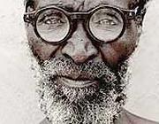 Gli occhiali inventati da Joshua Silver (www.core77.com)