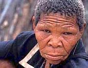 Xoroxloo Duxee, la donna boscimane  che morì di disidratazione nel 2005