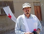 Enzo Baldoni a Najaf, in Iraq, nel 2004 (Ap)