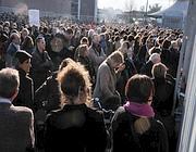 Migliaia di persone hanno seguito il meeting all'esterno del PalaSharp