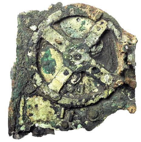 I resti ritrovati Antikythera (Ap)