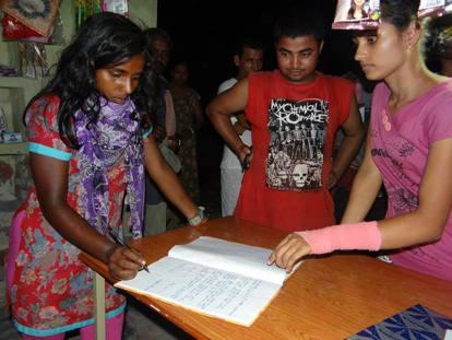 Nepal, le donne sfregiate con acido o kerosene