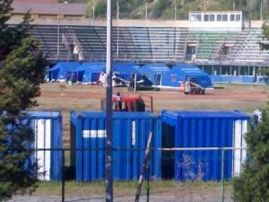 Messina, tendopoli dentro il campo sportivo