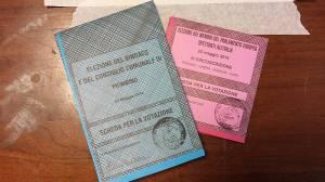 le due schede votate
