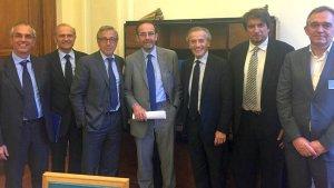 foto di rito per la firma del protocollo (fonte: twitter)