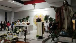 La messa Vespertina del Giovedì Santo presso la parrocchia del Sacro Cuore a Piombino.