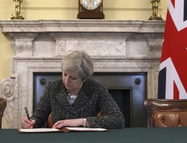 theresa may lettera brexit