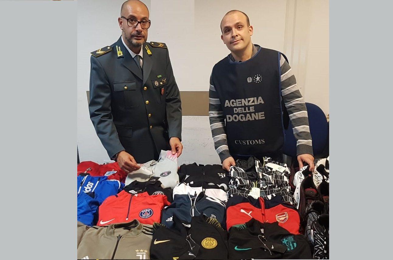 Catania, all'aeroporto GdF sequestra tute sportive  e scarpe contraffatte a marocchino