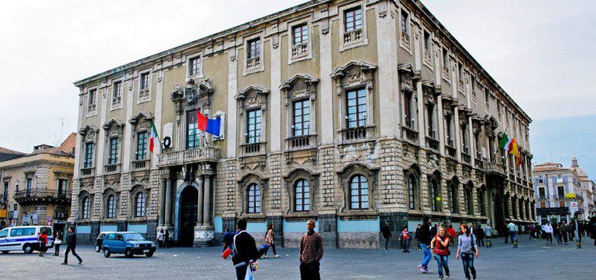 Catania, in assemblea i dipendenti del Comune: senza stipendio per colpa del dissesto