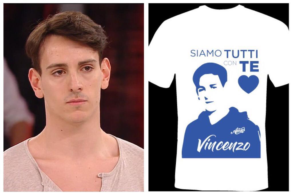 """Adrano, oltre mille magliette per il ballerino di """"Amici"""": 'Vincenzo siamo tutti con te'"""