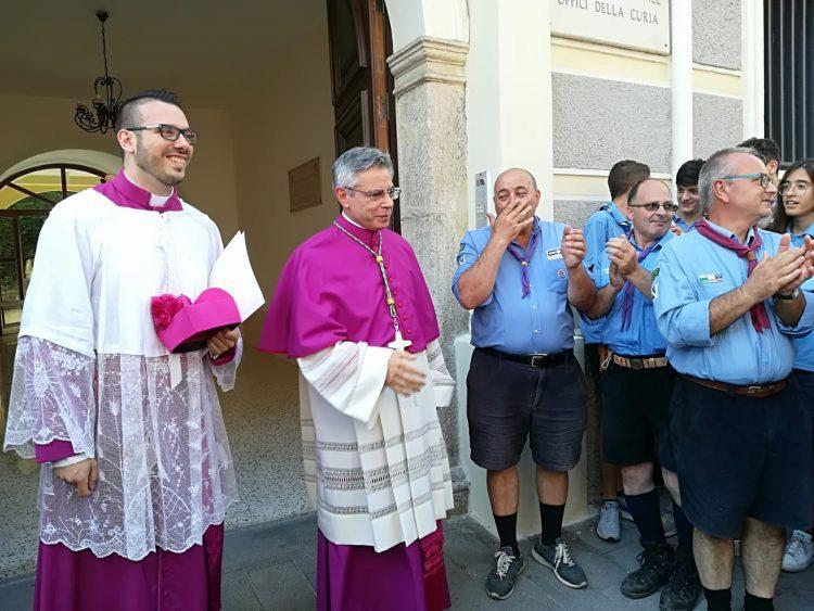 """Adrano, il messaggio del Vescovo Schillaci ai fedeli dopo l'intervento: """"Vi voglio bene con questo mio piccolo cuore"""""""