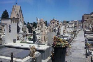 Paternò, a fine anno la gara del Comune per realizzare 270 tombe di famiglia: martedì il trasloco di 100 salme