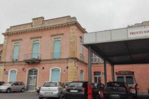 Bronte, pochi infermieri in ospedale e saltano gli interventi chirurgici: il sindaco parla di boicottaggio