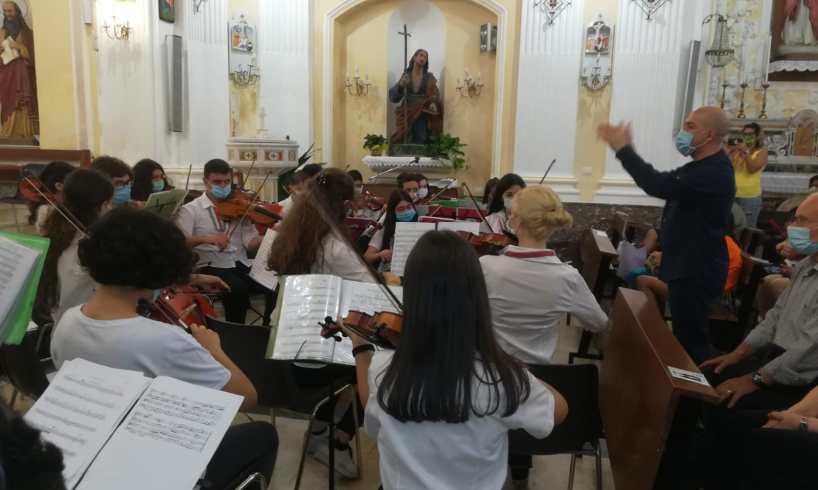 Adrano, primo concerto post-lockdown dell'Orchestra 'Falcone e Borsellino': ecco le condizioni per non lasciare la città (VIDEO)