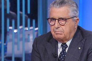 De Benedetti 'trangugia' anche Berlusconi pur di isolare Salvini e Meloni: l'editore dà il benservito a Conte