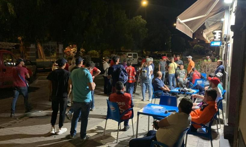 Adrano, all'alba in Piazza S. Agostino contro il caporalato: Iniziativa della Cgil