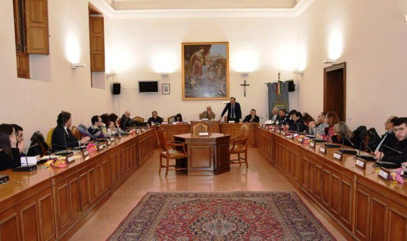 IN EVIDENZA-POLITICA Paternò, l'opposizione consiliare taglia il CdA dell'Ama: sconfitta la maggioranza di Naso