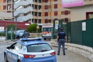 Modica, bimbo arriva morto in ospedale: lividi su tutto il corpo. Fermato il convivente della madre