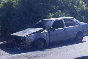Paternò, auto in fiamme nel quartiere Ardizzone: incerte le cause del rogo