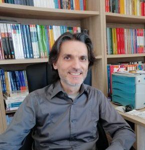 Internet, due catanesi spiegano come educarsi al web: un libro che è uno strumento di lavoro per i giovani