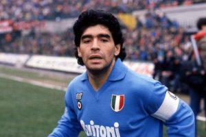 Calcio, è morto Maradona: per arresto cardiocircolatorio nella sua abitazione