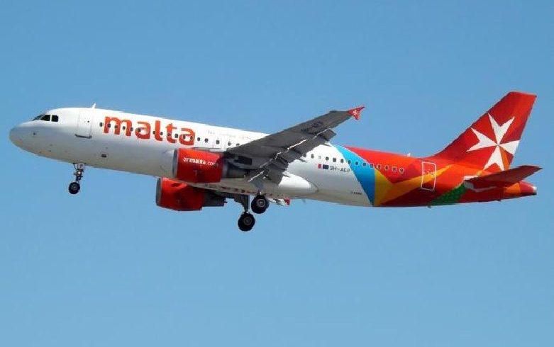 Covid, rifiuta mascherina sul volo Malta-Catania: volo rientra a La Valletta e lei arrestata