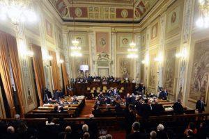 Sicilia, aumenta a oltre 100 mila euro lo stipendio del portavoce di Musumeci: all'Ars insorge il M5S