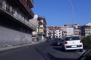 Paternò, via Fontana del Lupo al buio: i disagi dei residenti. Appello a intervenire del consigliere Rapisarda