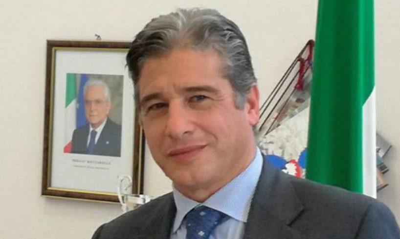 Adrano, Angelo Sajeva nominato dalla Regione Commissario straordinario del Comune: 56 anni, è palermitano