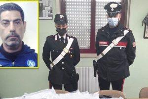 Gravina di Catania, alla vista del cane antidroga consegna 7 kg di marijuana: 47enne arrestato
