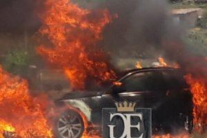 Paternò, auto s'incendia mentre è in marcia: conducente si mette in salvo