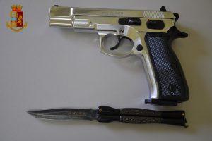 Adrano, non vuole pagare l'affitto di casa e minaccia il proprietario con pistola a salve: 42enne denunciato