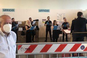 """Catania, il coro del Teatro Massimo allieta gli ospiti dell'hub vaccinale. Liberti: """"Sala d'attesa come un palcoscenico"""""""